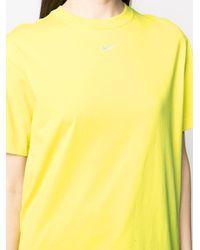 T-shirt con stampa di Nike in Yellow