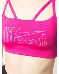 Top sportivo con stampa di Nike in Pink
