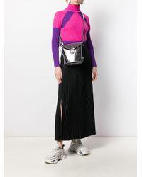 Borsa a secchiello metallizzata di Calvin Klein in Gray