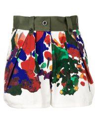 Shorts a fiori di Sacai in Multicolor