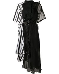 Robe mi-longue à design structuré Sacai en coloris Black