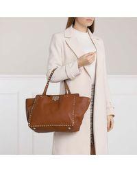Rockstud Leather Tote Selleria Valentino en coloris Brown