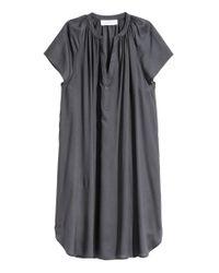 Robe à manches courtes H&M en coloris Gray