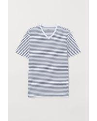 H&M White V-neck T-shirt Regular Fit for men