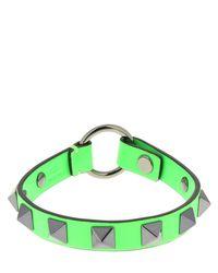 メンズ Valentino Garavani Rockstud レザーブレスレット 1cm Green