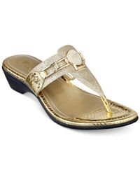 Marc Fisher | Metallic Amina Thong Sandals | Lyst