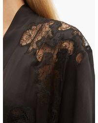 Robe de chambre en soie à dentelle Carine Gilson en coloris Black