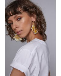 Rebecca de Ravenel - White M'o Exclusive Flora Woven Hoop Earrings - Lyst