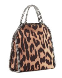 Borsa Falabella Fold Over a stampa leopardo di Stella McCartney in Black