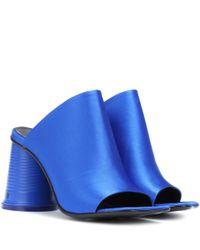 Mules en satin MM6 by Maison Martin Margiela en coloris Blue