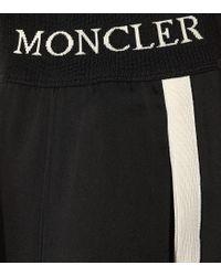 Pantaloni sportivi in satin di Moncler in Black