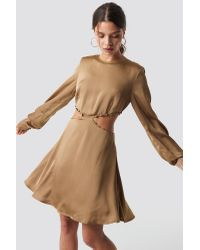 NA-KD Flirty Short Buttoned Dress in het Natural