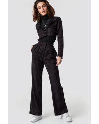 Pinstriped Cropped Blazer NA-KD en coloris Black
