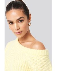 NA-KD Chunky Knitted Off Shoulder Sweater in het Yellow