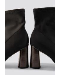NA-KD Pointy Sock Boot in het Black