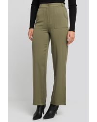 NA-KD Big Pocket Flowy Pants in het Green
