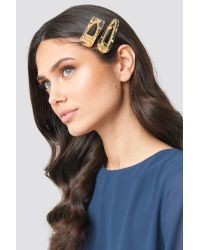 NA-KD Metallic Gold Flakes Hair Clips Gold