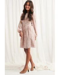 NA-KD Flowy Flower Applique Dress in het Pink
