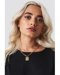 Chain Plate Necklace NA-KD en coloris Metallic