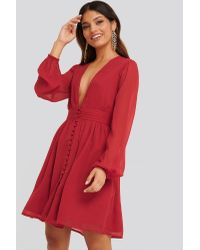 NA-KD Plunge V-neck Mini Dress in het Red