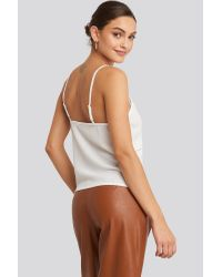 NA-KD Cut Out Lace Singlet in het White