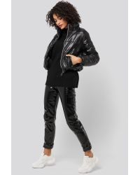 Trendyol Zipper Upright Collar Crop Jacket in het Black