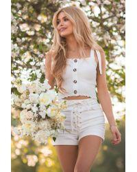 NA-KD White Pamela x Reborn Organisch Jeans-Shorts Mit Schnürdetail