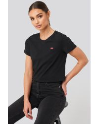 Levi's Perfect Tee Small Batwing in het Black