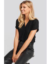NA-KD Black V-Neck Short Sleeve Blouse