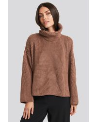 NA-KD Oversized High Neck Knitted Sweater in het Pink