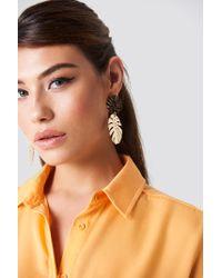 NA-KD - Metallic Monstera Leaves Earrings - Lyst