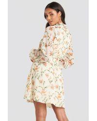 Flower Print Smock Detail Dress NA-KD en coloris White