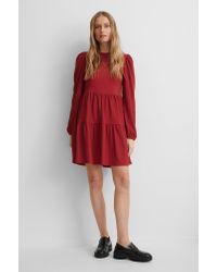 NA-KD Red Crepe-Kleid Mit Puffärmeln