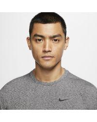 Haut d'entraînement de yoga à manches longues Dri-FIT pour Nike pour homme en coloris Black