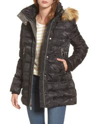 Vince Camuto - Black Quilted Coat With Faux Fur Trim Hood - Lyst