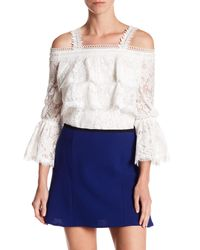 Gracia - White Cold Shoulder Tiered Scalloped Hem Blouse - Lyst