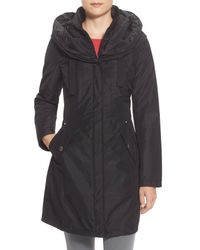 Laundry by Shelli Segal Black Pillow Collar Raincoat With Detachable Quilted Hooded Bib Insert (regular & Petite)