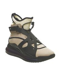 Nike Black Air Jordan Latitude 720 W