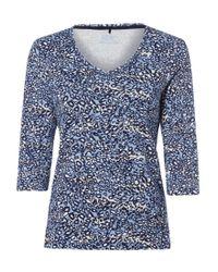 Olsen Blue V-Shirt mit abstraktem Alloverprint