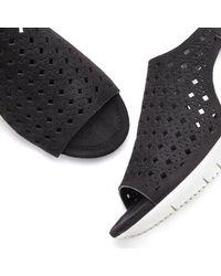 Lascana Black Sandalette mit kleinen Cut-Outs und Keilabsatz