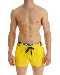Swim Shorts Trunks for Men In Outlet di Moschino in Yellow da Uomo