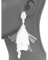 Oscar de la Renta - White Impatiens Flower Opaque & Transparent Clip-on Earrings - Lyst