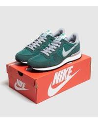 Nike Internationalist Trainers In Green 828041-300 for men