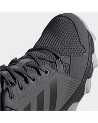 Chaussure Terrex Tracerocker GTX hommes Chaussures en Gris Adidas pour homme en coloris Gray