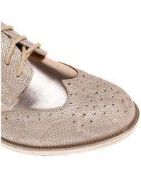 Derbies dorés avec détail reptile scintillant Chaussures La Modeuse en coloris Metallic