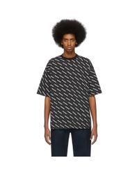 メンズ Balenciaga ブラック オールオーバー ロゴ ライン レギュラー フィット T シャツ Black