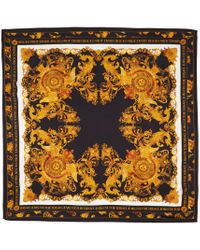 Versace Jeans ブラック & ゴールド シルク Versailles スカーフ Multicolor