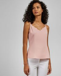 Top Con Escote Festoneado Ted Baker de color Pink
