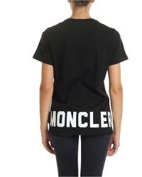 T-shirt nera stampa di Moncler in Black