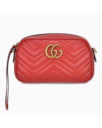 Borsa GG Marmont piccola rossa di Gucci in Red
